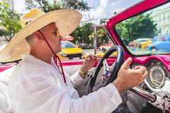 Cuba / Havana e Varadero (Paulo Pampolin) Tags: cuba havana varadero mar sea ocean blue azul car old velho antigo carro relíquia hat chapeu revolução revolucao revolution