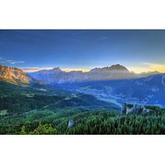 Just before the sunrise (Robyn Hooz) Tags: dolomiti cristallo cortina veneto alberi wood sunrise sorgere sole cielo blu blue green forest