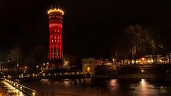 Tower & Lights (Explore) (Cajofavi) Tags: fs181209 rod red röd fotosondag watertower vattentorn night lights kalmar sweden bridge