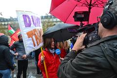 Trump not welcome in France (Jeanne Menjoulet) Tags: placedelarépublique paris manif manifestation trump donaldtrump demonstration 11novembre2018 demo antitrump camera journaliste tv5monde dump