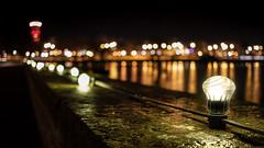 Ljusfläckar (Explore) (Cajofavi) Tags: fs181216 flackar fläckar fotosondag fotosöndag ljus lights bokeh kalmar sweden mur ljusslinga vatten water reflection wall