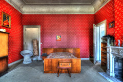 Ce soir on découche ! (urban requiem) Tags: urbex urban exploration hdr sony alpha7ii belgique belgium town mansion townmansion red bedroom chambre