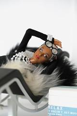 Barbie Iris Apfel (lichtspuren) Tags: barbiesignature barbie irisapfel louboutin mermaid facemold mermaidface platinumhair collectordoll lichtspuren