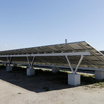 太陽光電池アレイ用架台の写真