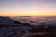 coucher de soleil sur mer de nuages (Joëlle Galley) Tags: montagne panorama alpes merdenuages coucherdesoleil hautesavoie semnoz