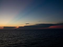 Regionale Veloce / 43 (Attimo) Tags: italia toscana livorno capraia mare tirreno estate tramonto 2018 regionaleveloce