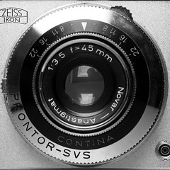 ZEISS IKON CONTINA (Alfredo Liverani) Tags: 3222018 project365322 project36511182018 project36518nov18 oneaday photoaday pictureaday project365 project project2018 2018pad macromondays macro mondays closeup mm hmm italy pov dof centersquarebw canong5x canon g5x pointandshoot point shoot ps flickrdigital flickr digital camera cameras mono center bw view zeiss ikon contina vintage metal metallicobjects metallic oggettimetallici metallo metallico metallici me selfportrait portrait self minimalismo minimalism minimal lessismore square squaresize