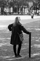 Nathalie Van Hessen (laurent.dufour.paris) Tags: 135mm 2017 arbres black blackandwhite blanc bw candid canon city eos5dmarkiii europe everybodystreet extérieur femmes france iledefrance jardinduluxembourg jardinpublic life lifeisstreet matin monochrome noir noiretblanc paris people photographiederue portrait printemps regardsparisiens rue streetphoto streetphotography streetphotographer streetofparis streetoftheworld ville