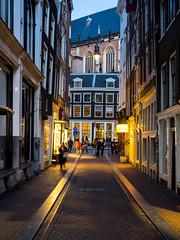 A0153138 (rpajrpaj) Tags: amsterdam city netherlands nederland nederlandvandaag bluehour thebluehour street streetphotography