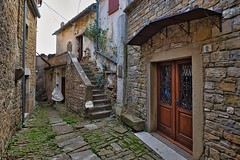 Amenko's Atelier in Alley of Groznjan (Eadbhaird) Tags: croatia istria groznjan atelier hrv