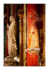 la vieille chapelle (Marie Hacene) Tags: chapelle statue couleurs mur