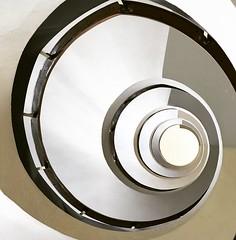 spiral (Calovi) Tags: fayet corona 1953 architecture arquitetura architektur architectura modernism portoalegre centro downtown cascohistorico rs escada treppe scala staircase stair escalera escalier white spiral