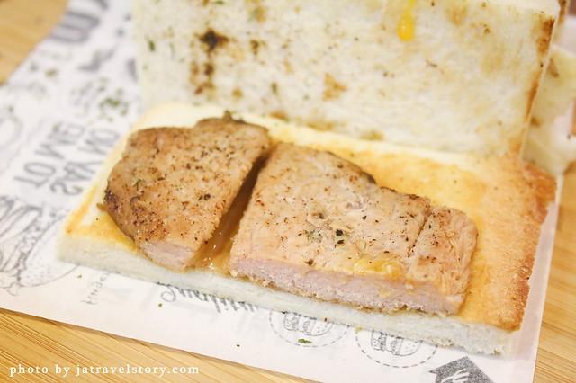 初初看三明治專賣 可愛店貓陪伴用餐好幸福~【捷運中山國中】 @J&A的旅行