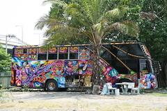 colorful bus (the foreign photographer - ฝรั่งถ่) Tags: tour bus chaengwattana road bangkhen bangkok thailand canon