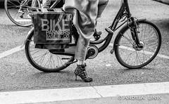 paris... (andrealinss) Tags: frankreich france paris parisstreet schwarzweiss street streetphotography streetfotografie bw blackandwhite detail fahrrad andrealinss 35mm bicyclette bicycle