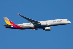 HL7579 | Airbus A350-941 | Asiana Airlines (cv880m) Tags: newyork jfk kjfk kennedy aviation airliner airline jetliner airplane aircraft airport hl7579 airbus a350 359 350900 350941 asiana asianaairlines kumho unicef swoosh korea