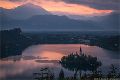 _sunrise (l--o-o--kin thru) Tags: slowenien slovenia bled sunrise lake see slovenja morning castle church