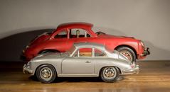 Porsche Duo (Günter Hentschel) Tags: porsche träumchen deutschland germany germania alemania allemagne hentschel flickr indoor innen 2018 11 november2018 november modellauto modellcar fotomodell modell nikon nikond5500 d5500