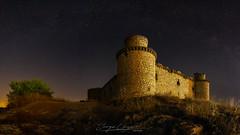Castillo de Barcience (www.jorgelazaro.es) Tags: castillo night barcience estrellas landscape noche toledo jorgelázaro nocturna luz paisaje cielo ruina españa azul castillalamancha es