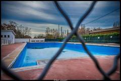 le vide (Fotomaniak 53) Tags: piscine vide urbex bleu hdr municipale aquitaine canon 550d raw eos fotomaniak53
