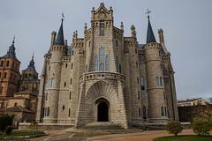 _DSC0703 (Tinito123) Tags: gaudi castillo castle astorga castilla y leon nikon 7200 1750 sigma