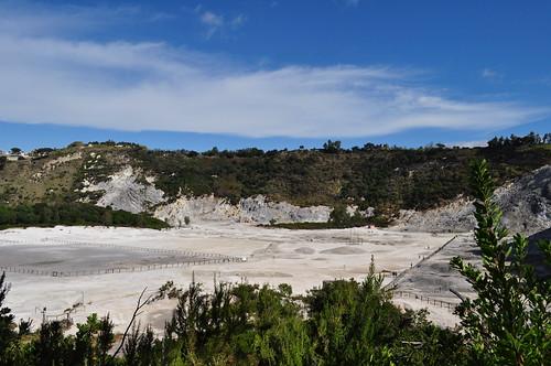 Cratère du volcan, la Solfatara, Pouzzoles, Campanie, Italie.
