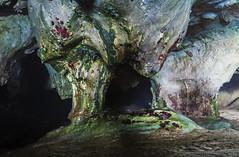 Buscando los colores hasta en las cuevas…   Looking for colors even in the caves ... (Monroy Jose) Tags: cueva asturias colores pentax gruta belleza agua tesoro escondido mar humedad oscuridad encontrar linterna playa españa rojo verde amarillo azul pelgro paz tranquilidad magnetismo poesia amor escondite