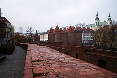 Warsaw Walls (jlben Juan Leon) Tags: aok carlzeiss carlzeissdistagon3514zm leica leicam leicam240 leicamtyp240 leicamtype240 poland polonia varsovia warsaw zeissdistagont1435zm zeisst1435