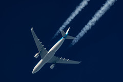 KLM Airbus A330-203 PH-AON (Thames Air) Tags: klm airbus a330203 phaon contrail telescope dobsonian contrails overhead vapour trail