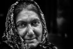 Invisible... (vedebe) Tags: portraits portrait femme humain human people rue street ville city urbain urban noiretblanc netb nb bw monochrome