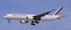 B777 | F-GSPG | CDG | 20010414 (Wally.H) Tags: boeing 777 boeing777 b777 fgspg airfrance cdg lfpg paris charlesdegaulle roissy airport