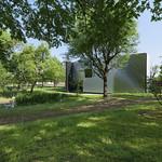 絵画の展示および収蔵のための建築の写真
