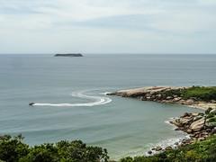 Brazil_24_01_2018_145 (Nekrasoff Oskar) Tags: atlanticocean atlantica brazil brazil2018 florianopolis floripa santacatarina beach clouds praiagravata rocks