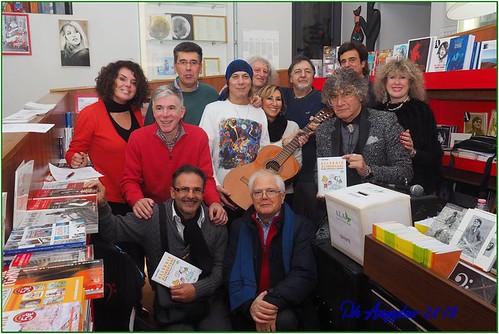 Amico #faber #chitarra 🎶 #fabriziodeandre #associazioneligureallergici @lauramonferdini @mauroculotta @barbero.carlo @renzobonissone #viadelcampo29rosso 🎥#elettritv💻📲 #cantautore #musica #etnica #popolare #sottosuolo #w