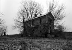 lincoln county 2 (Nickademus42 (Thank you for 1 million views)) Tags: ilford delta 100 kamiya 645 kentucky abandoned house black white film 45mm