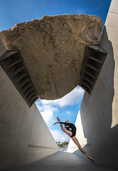 Pretty Venus Ballerina Dancing Classical Ballet at the Los Angeles LACMA Urban Lights & Levitated Mass! Nikon D810 & AF-S NIKKOR 14-24mm F2.8G ED from Nikon! Gorgeous Athletic Talented Ballerinas Dancing Ballet in Pointe Shoes Ballet Slippers & Leotard! (45SURF Hero's Odyssey Mythology Landscapes & Godde) Tags: pretty venus ballerina dancing classical ballet los angeles lacma urban lights levitated mass nikon d810 sigma 50mm f14 ex dg hsm lens for gorgeous athletic talented ballerinas pointe shoes slippers leotard