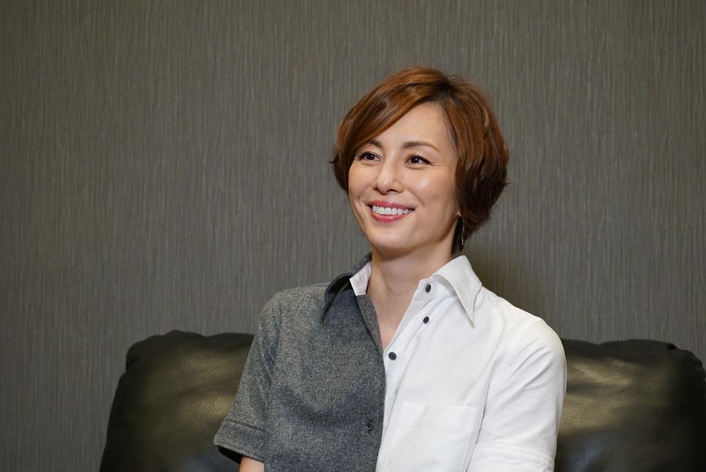 米倉涼子接受KKTV獨家專訪,笑說演刑警要一直跑好累.
