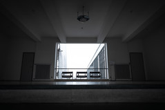 Bauhaus Dessau (Ni1050) Tags: bauhaus dessau ninicrew sony ilce7rm2 e25mmf2 25mm zeiss batis 2018 ni1050 ninis a7r2 a7rii a7rm2 bauhausgebäude dessauroslau waltergropius schulgebäude kunstdesignundarchitekturschulebauhaus bau ikonedermoderne unesco welterbestätte