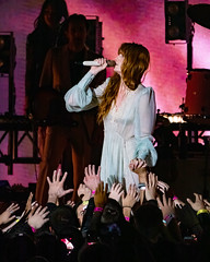 Florence and the Machine 12/09/2018 #18 (jus10h) Tags: florence welch themachine florenceandthemachine theforum forum inglewood losangeles california live music concert festival fest kroq almost acoustic christmas sunday december 9 2018 justinhiguchi sony dscrx10 dscrx10m3