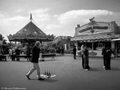 Carrousel Gourmand (LUMEN SCRIPT) Tags: street monochrome paris contrast tones