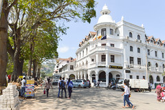 Colonial hotel (Francisco Anzola) Tags: srilanka kandy southasia downtown trees colonial hotel architecture britishempire