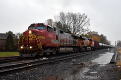 Wet Warbonnet (Robby Gragg) Tags: atsf bnsf c449w 696 riverdale