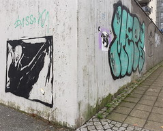 The Screen (svennevenn) Tags: canevil thescream skriket mepz2 gatekunst bergen streetart iphones comagirl