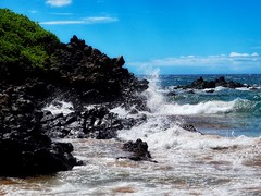 Beholding Truth (Robert Cowlishaw (Mertonian)) Tags: deeply splash waves ocean maui2018 beauty beautiful wonder awe ineffable parasophia robertcowlishaw mertonian canonpowershotg1xmarkiii markiii g1x powershot canon vocêusaumlindoroxo
