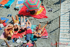 Five Beauties of Monterosso (Kent Johnson) Tags: 1600adjcef5793 fivebeauties monterosso italy beach travel bikini beachtowel beachumbrella cinqueterre fujifilmxt1 xf35mmf14r