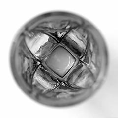 (Christelle Diawara) Tags: christellediawara macro macromondays centersquarebw monochrome verre glass verreàliqueur àlintérieur inside
