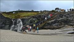 Bajando a la playa de Las Catedrales - Lugo (Luisa Gila Merino) Tags: escalinata arena playa cascada playadelascatedrales rocas galicia