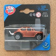 Rik and Rok (Maisto) - Volkswagen Beetle - Miniature Diecast Metal Scale Model Vehicle (firehouse.ie) Tags: kafer bug beetles veewee volks metal models miniatures miniature jumbo rikrok maisto model toy car beetle volkswagen vw