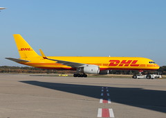 QY 757F G-DHKP (Spenair777) Tags: dhl european air transport qy 757 757f freighter cargo cologne cgn ramp