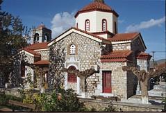 Η εκκλησία του Αγίου Σπυρίδωνα. (Greece, Viotia, Agios Spyridonas). (Giannis Giannakitsas) Tags: αγιοσ σπυριδωνασ βρανεζι βοιωτιασ vranezi agios spyridonas viotias spiridonas canon eos 10s slr 35 mm film camera